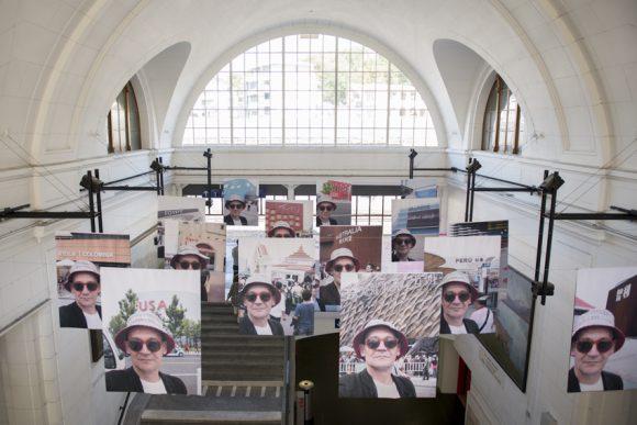 Un tour du monde en 80 selfies avec